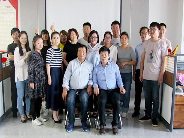 郑大史团省老师携团队到美尔森生根水溶肥企业进行考察指导!